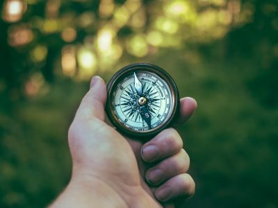 how to find and cite credible sources represented by compass